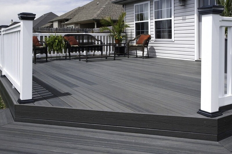 How To Choose A Deck Stain To Coordinate With Your House 2