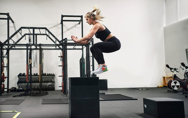 High jumps combined with squats