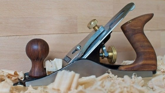 Well-adjusted tools provide a smooth and level finish