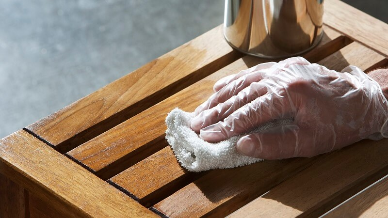 You need a perfect wood surface for the best stains