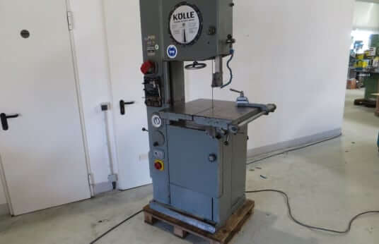 The band saw can create precise curves and forms