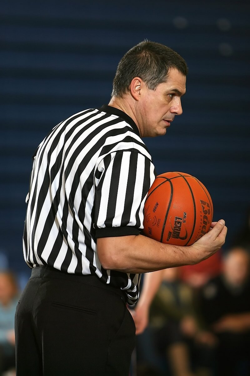 How To Become A Basketball Referee: Best Guide For You