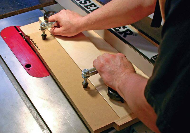 Ultimate Guide On How To Cut A Taper On A Table Saw 1